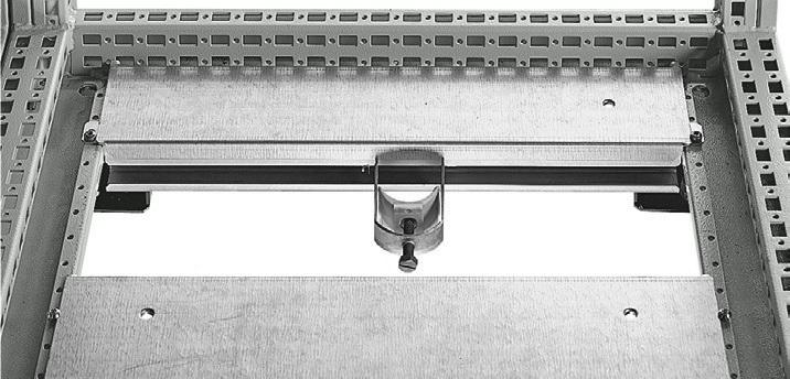 1 VE Kabelabfangschiene Sockelmontage 400mm ASCAP400--