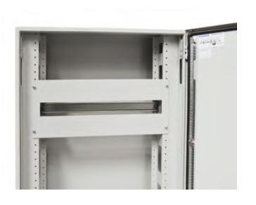 1 Stk Modulare Gerätefrontplatte m. Längsschlitz. 800x450 3R 105TE ASCP4508-5