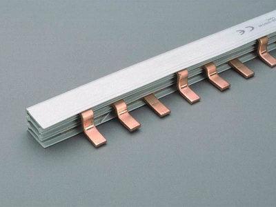 1 Stk Kammschiene 3-polig, isoliert, Steg 130A, Teilung 27mm, 1m SI310560--